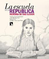 Imagen de una niña en una mesa leyendo